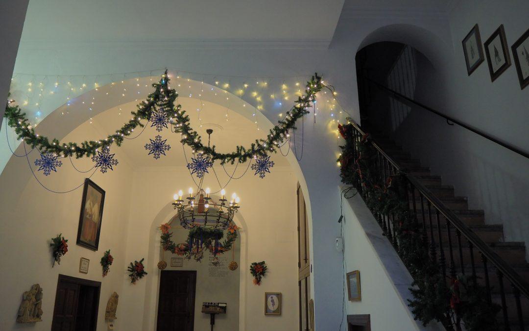 Decoración de nuestra casa de Hermandad para Navidad.